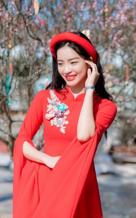 Nữ sinh điện ảnh xinh đẹp bên tà áo dài cách tân ngày Tết - ảnh 5