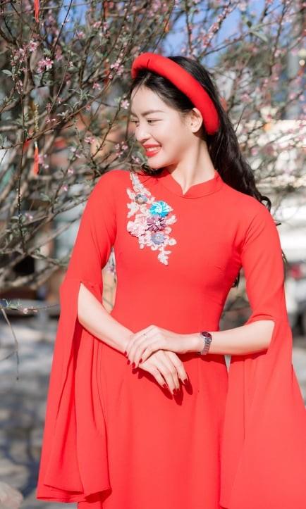 Nữ sinh điện ảnh xinh đẹp bên tà áo dài cách tân ngày Tết - ảnh 12