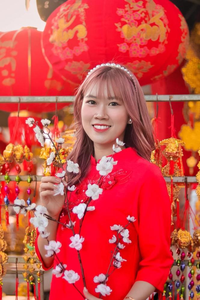 Thiếu nữ xứ Quảng trong áo dài truyền thống những ngày đầu Xuân - ảnh 8