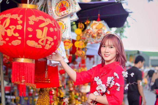Thiếu nữ xứ Quảng trong áo dài truyền thống những ngày đầu Xuân - ảnh 9