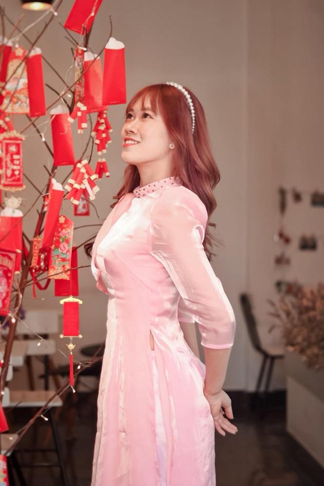 Thiếu nữ xứ Quảng trong áo dài truyền thống những ngày đầu Xuân - ảnh 7