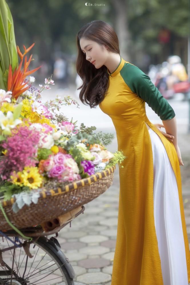 Hot girl xứ Nghệ là Hoa khôi Đại học Quốc gia khoe nhan sắc ngọt ngào trong tà áo dài truyền thống - ảnh 6