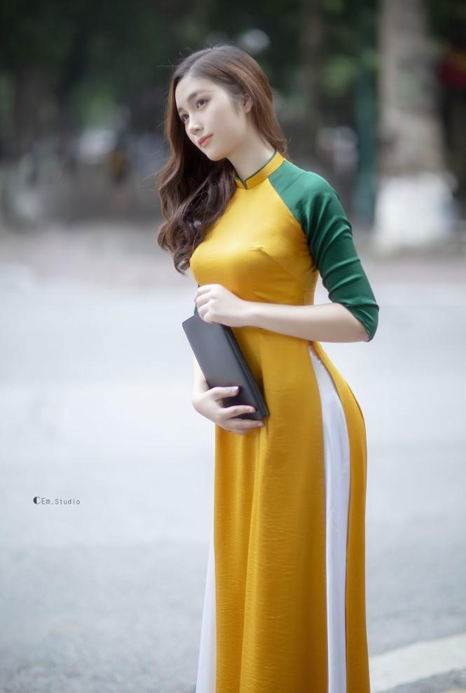 Hot girl xứ Nghệ là Hoa khôi Đại học Quốc gia khoe nhan sắc ngọt ngào trong tà áo dài truyền thống - ảnh 7