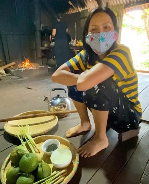 Ngắm sao Việt mặc đồ ngủ khi ở nhà chống Covid-19 - ảnh 7
