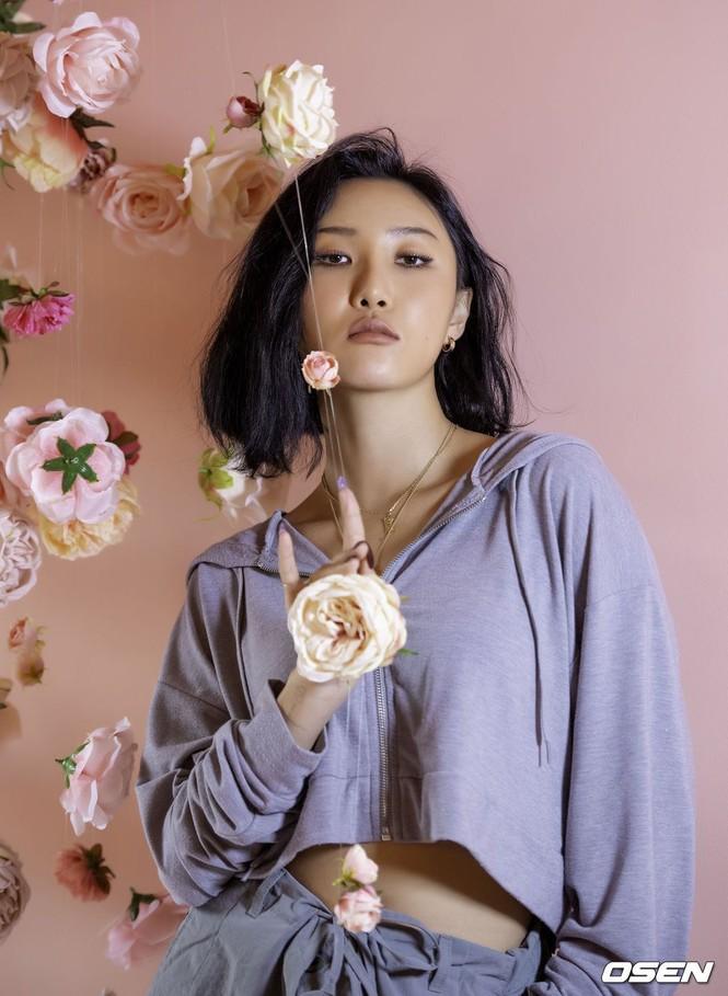 Hwasa, cô gái thừa cá tính và mạnh mẽ để phá vỡ mọi tiêu chuẩn ở K-Pop - ảnh 5