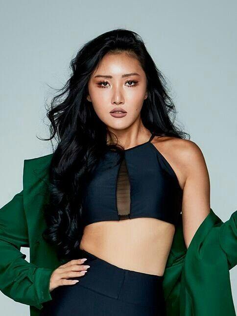 Hwasa, cô gái thừa cá tính và mạnh mẽ để phá vỡ mọi tiêu chuẩn ở K-Pop - ảnh 1