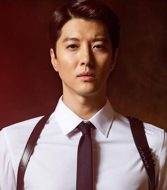 Bị khán giả phản ứng dữ dội khi ly hôn, Lee Dong Gun vẫn đóng phim mới - ảnh 3