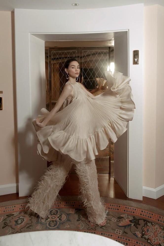 Hà Hồ mang bụng bầu chụp ảnh thời trang cho tạp chí danh giá Vogue (Pháp) - ảnh 8