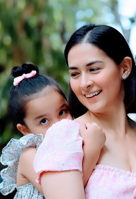 Mỹ nhân đẹp nhất Philippines khoe ảnh gia đình toàn người đẹp cực phẩm - ảnh 5
