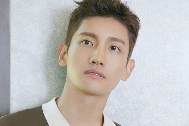 Chàng trai năm ấy bao cô gái cùng theo đuổi Changmin (TVXQ) đã sắp thành chồng người ta - ảnh 2