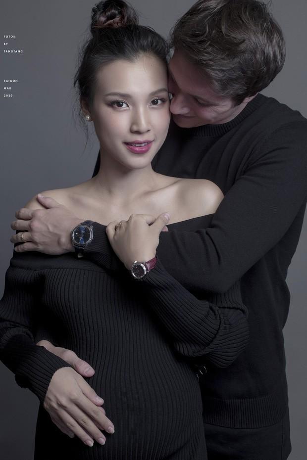 Hoàng Oanh có thể phải sinh con một mình khi ông xã vẫn mắc kẹt tại Singapore - ảnh 2