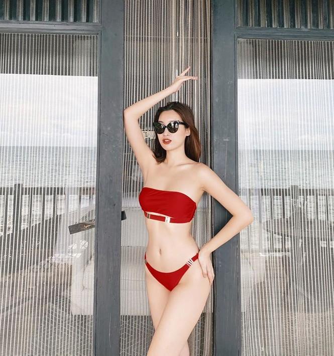 Không thể rời mắt khỏi dàn Hoa hậu khoe ngực đầy eo thon trong bikini nóng bỏng - ảnh 1