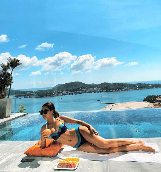 Không thể rời mắt khỏi dàn Hoa hậu khoe ngực đầy eo thon trong bikini nóng bỏng - ảnh 9