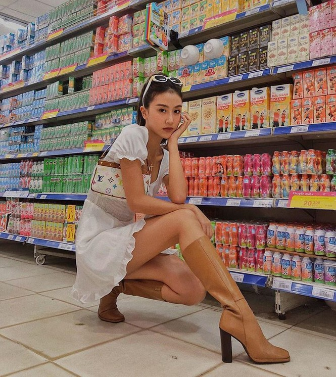 Phát ngốt khi nhìn Quỳnh Anh Shyn phá cách diện bikini cùng boot cao sát gối - ảnh 4