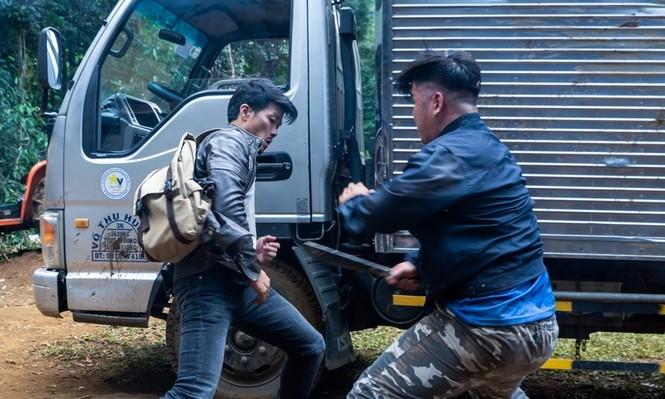 """Nhà sản xuất """"Đỉnh mù sương"""" toan tính gì khi cho phim đối đầu với bom tấn xứ Hàn? - ảnh 1"""