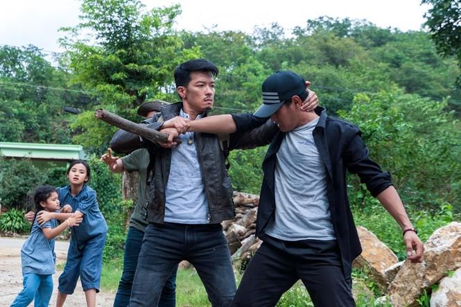 """Nhà sản xuất """"Đỉnh mù sương"""" toan tính gì khi cho phim đối đầu với bom tấn xứ Hàn? - ảnh 2"""