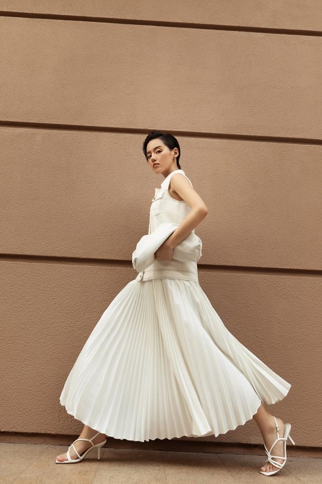 Hoa hậu Mỹ Linh, Tiểu Vy dùng dàn fashionista hóa quý cô thời đại đầy cá tính - ảnh 7