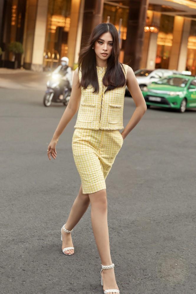 Hoa hậu Mỹ Linh, Tiểu Vy dùng dàn fashionista hóa quý cô thời đại đầy cá tính - ảnh 3