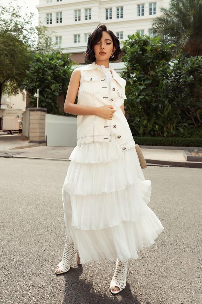 Hoa hậu Mỹ Linh, Tiểu Vy dùng dàn fashionista hóa quý cô thời đại đầy cá tính - ảnh 5