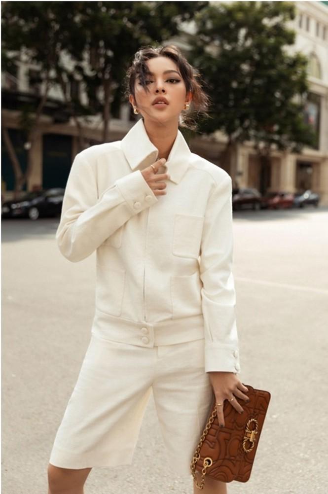 Hoa hậu Mỹ Linh, Tiểu Vy dùng dàn fashionista hóa quý cô thời đại đầy cá tính - ảnh 4