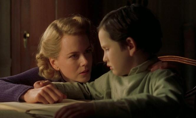 Làm mẹ đơn thân đã vất vả, mẹ đơn thân trong phim kinh dị còn khổ sở hơn nhiều - ảnh 1