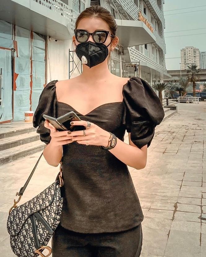 Học ngay sao Việt các tuyệt chiêu phối đồ để đeo khẩu trang mà vẫn sành điệu - ảnh 8