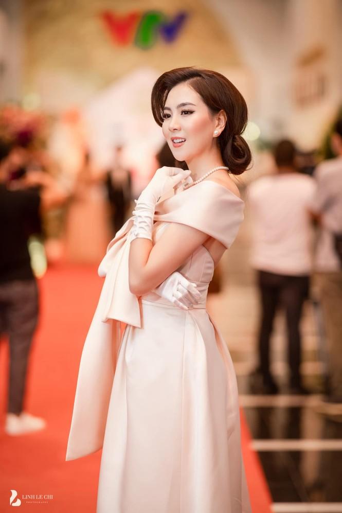 Rời đi trước khi VTV Awards kết thúc, Mai Ngọc bị nghi bỏ về vì không được giải - ảnh 2