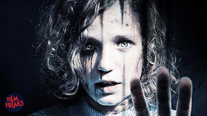 Phim kinh dị về ác quỷ đã kinh hoàng, khi hồn ma đội lốt người nhà còn đáng sợ hơn - ảnh 5