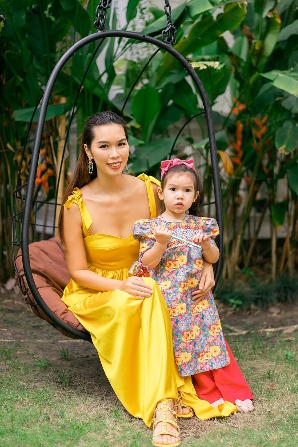 Dù lấy chồng ngoại quốc, Hà Anh vẫn muốn bé Myla lớn lên như một cô gái Việt Nam - ảnh 1