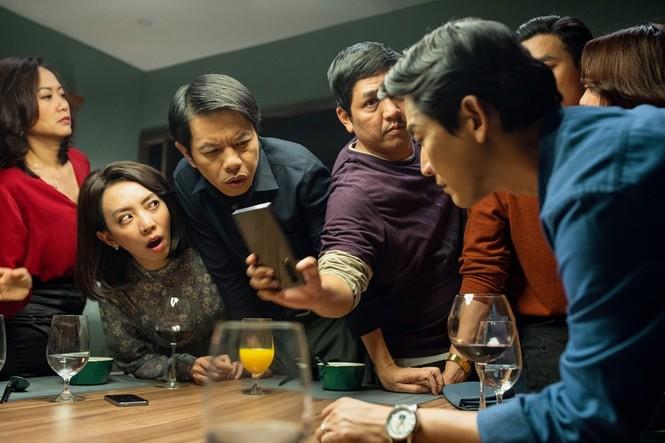 """""""Tiệc trăng máu"""" soán ngôi """"Gái già lắm chiêu 3"""" trở thành phim có doanh thu cao nhất năm 2020 - ảnh 1"""