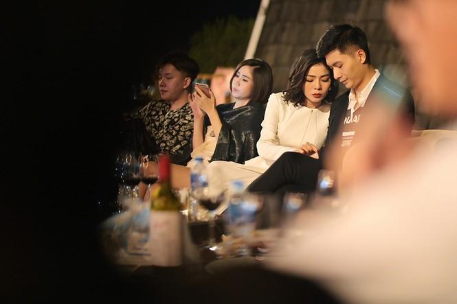 Bất chấp mọi tin đồn, Lệ Quyên vẫn thoải mái xuất hiện cạnh người mẫu Lâm Bảo Châu - ảnh 2