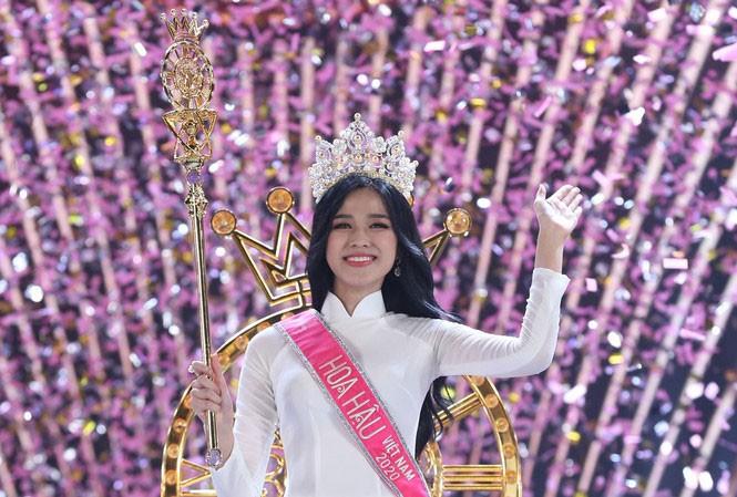 Sau hơn một tháng đăng quang, Hoa hậu Đỗ Thị Hà diễn đẹp như người mẫu chuyên nghiệp - ảnh 1