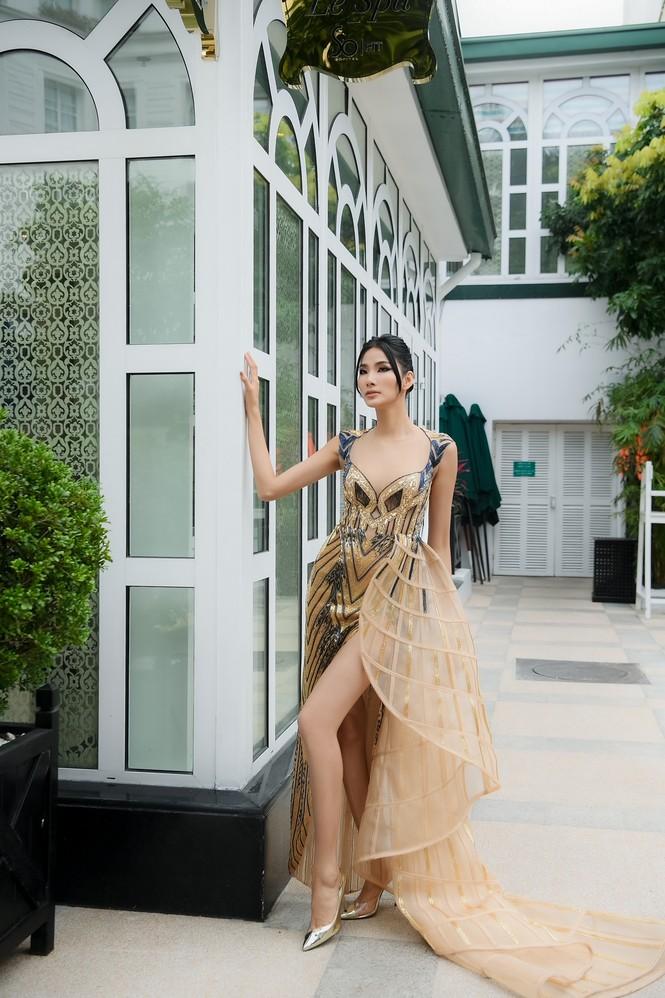 Chiếc váy này có gì đặc biệt mà ba mỹ nhân Lan Khuê, Hoàng Thùy, Thanh Khoa đua nhau mặc? - ảnh 6