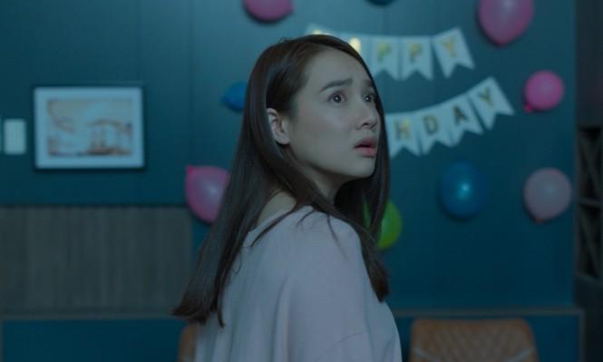 Bỏ qua sự cố òa khóc vì đến muộn, Nhã Phương vẫn ghi điểm trong trailer phim mới - ảnh 1