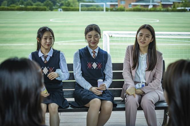 """Hàng loạt sao K-Pop chịu cảnh bị ám ảnh trong lớp học kinh hoàng của """"Nam sinh số 11"""" - ảnh 3"""