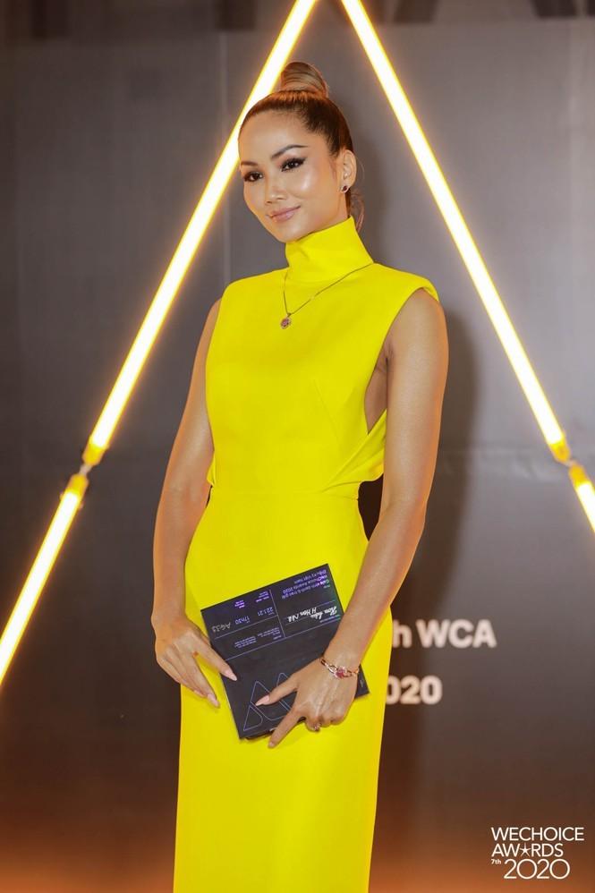 Ngắm Hoa hậu Đỗ Thị Hà và dàn cựu Hoa hậu khoe dáng xinh như mộng trên thảm đỏ - ảnh 4