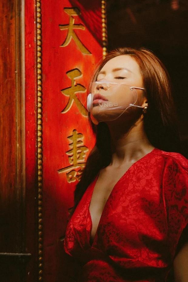 Hàng loạt mỹ nhân Việt bị chê ăn mặc phản cảm khi đi lễ chùa đầu năm - ảnh 5