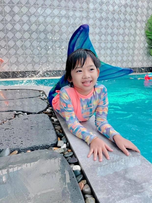 Cảm động với hình ảnh mới nhất của con gái cố diễn viên Mai Phương: Tràn đầy hạnh phúc - ảnh 2
