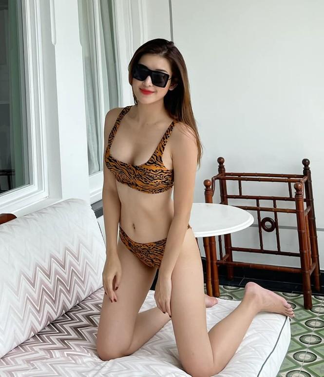 Muốn bỏng mắt với những bộ bikini khoét cao hết cỡ của dàn mỹ nhân Việt - ảnh 5