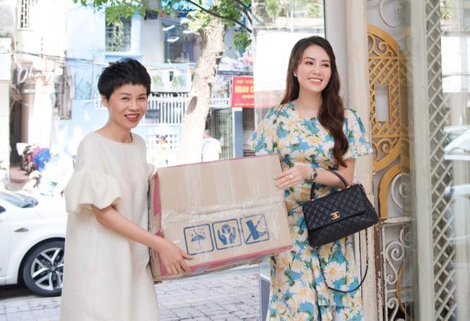 NTK Xuân Lê khởi động chiến dịch 'tái chế' trang phục cũ - ảnh 1