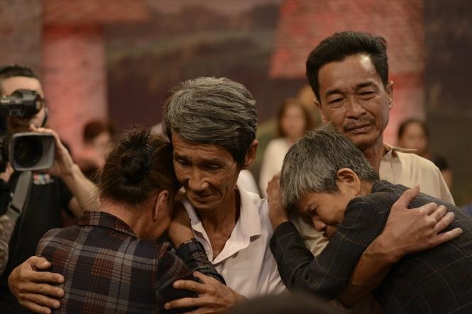 """Hà Anh Tuấn ủng hộ 3 tỷ """"hồi sinh"""" chương trình """"Như chưa hề có cuộc chia ly"""