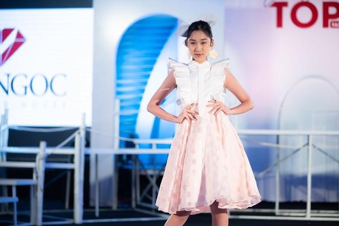 Dàn mẫu nhí khuấy đảo sắc màu tại Vietnam Top Fashion and Hair 2020 - ảnh 6