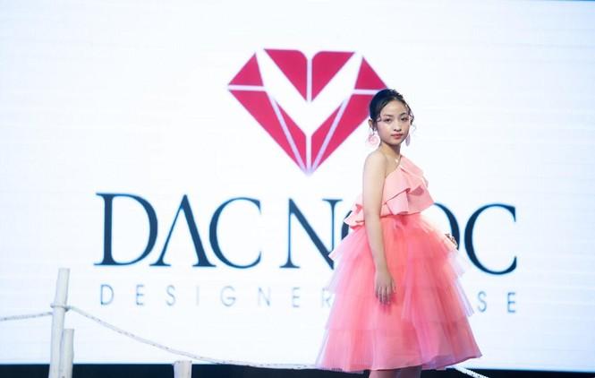 Dàn mẫu nhí khuấy đảo sắc màu tại Vietnam Top Fashion and Hair 2020 - ảnh 7