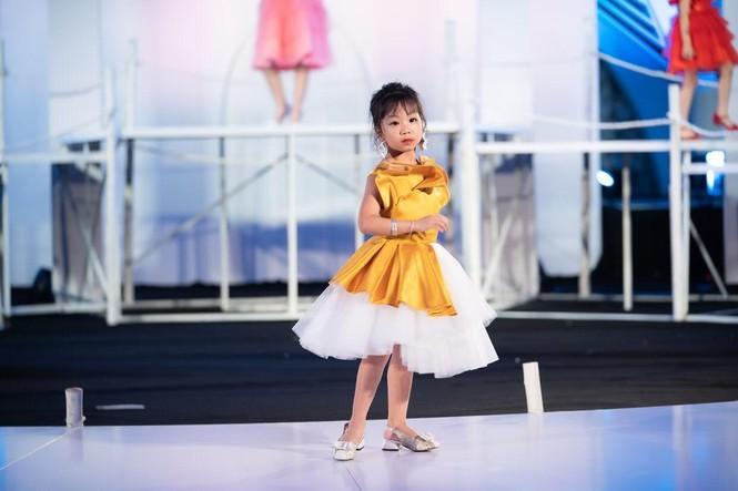 Dàn mẫu nhí khuấy đảo sắc màu tại Vietnam Top Fashion and Hair 2020 - ảnh 8