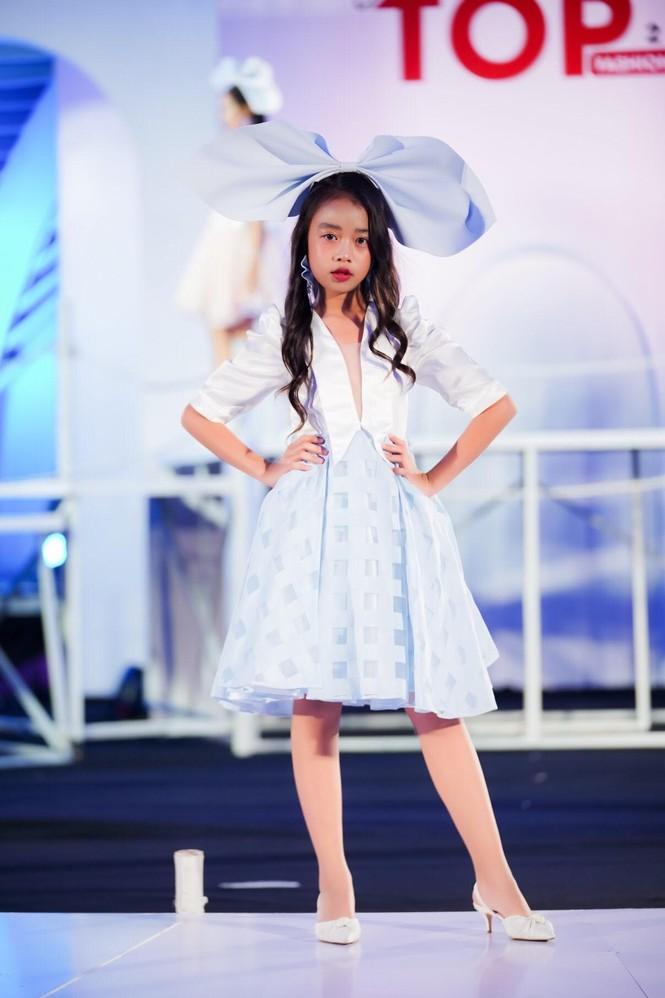Dàn mẫu nhí khuấy đảo sắc màu tại Vietnam Top Fashion and Hair 2020 - ảnh 10