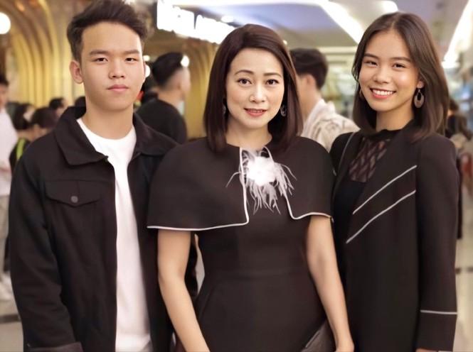 """Cô bé 14 tuổi được Kay Trần """"thả thính"""": Con gái nghệ sĩ lớn, vừa đa tài lại """"chất"""" - ảnh 2"""