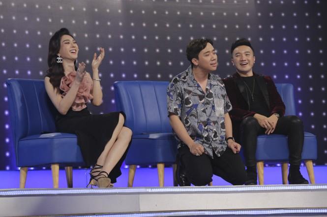 """Lâm Khánh Chi gọi Trấn Thành là ông xã: """"Hari Won là cả, còn em là vợ bé"""" - ảnh 1"""
