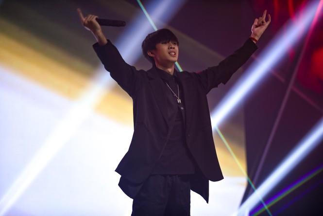 ảng A King of Rap của LK thắng thế với 4 'quái vật' nhưng lại 'mất đi' 1 người không ngờ  - ảnh 11