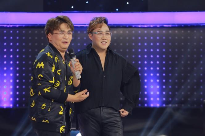 Trấn Thành đòi bỏ về không ghi hình vì Trung Quân Idol muốn khoe body - ảnh 1
