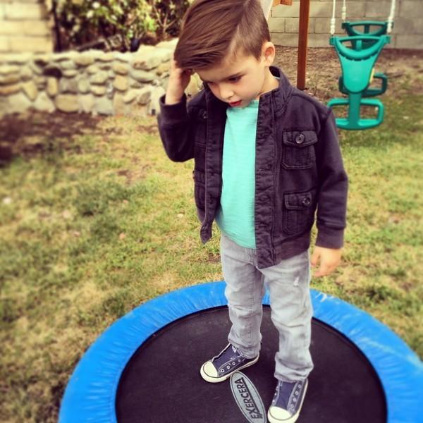 Cậu bé 4 tuổi sành điệu như hot boy - ảnh 10